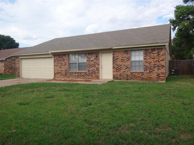 Rental Homes for Rent, ListingId:33883018, location: 2703 Casa Blanca Court S Arlington 76015
