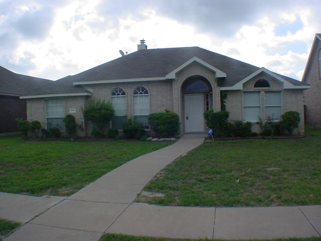 Rental Homes for Rent, ListingId:33899849, location: 1034 Suffolk Lane Cedar Hill 75104