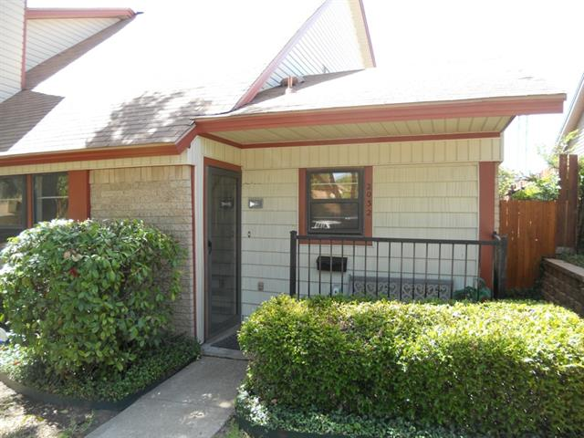Rental Homes for Rent, ListingId:33949501, location: 2032 Clubridge Drive Carrollton 75006