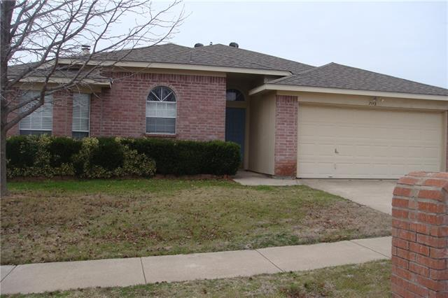 Rental Homes for Rent, ListingId:33966297, location: 7112 Stonegate Drive Benbrook 76126
