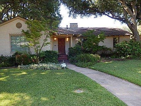 Rental Homes for Rent, ListingId:33934918, location: 6902 Kenwood Avenue Dallas 75214