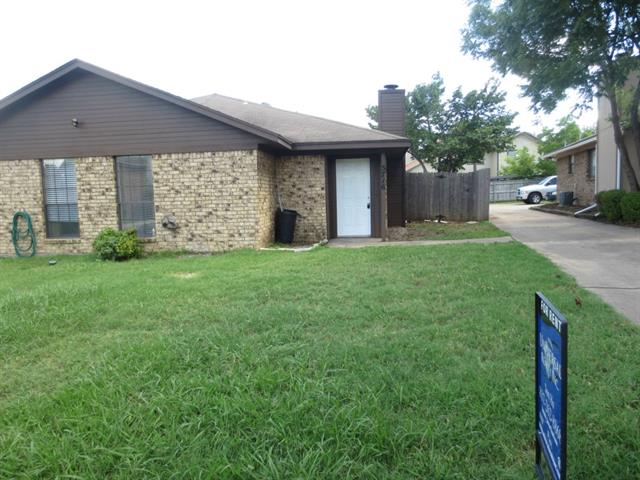 Rental Homes for Rent, ListingId:33972307, location: 5716 Red Cactus Court Arlington 76017