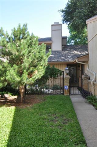 Single Family Home for Sale, ListingId:33982690, location: 5609 Boca Raton Boulevard Ft Worth 76112