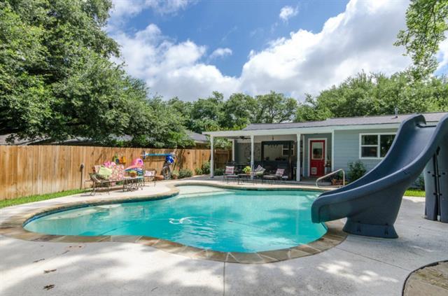 405 N Overlook Dr, Kerens, TX 75144