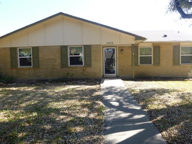 Rental Homes for Rent, ListingId:34000748, location: 1822 Chamberlain Drive Carrollton 75007