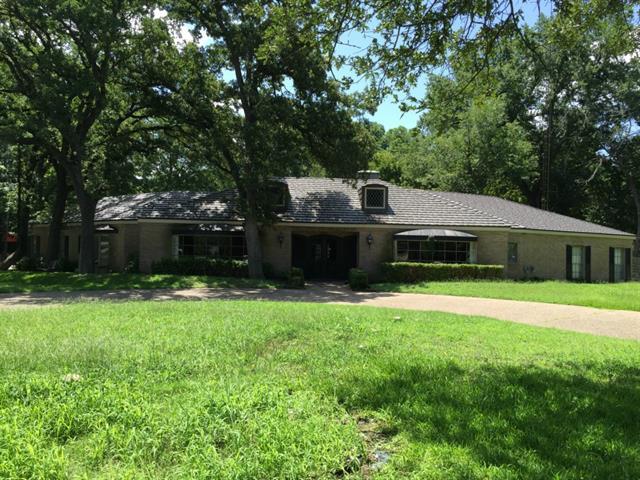 1401 Princeton Dr, Corsicana, TX 75110