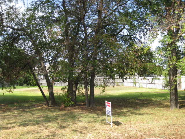 1877 Woodbridge Dr, Sulphur Springs, TX 75482