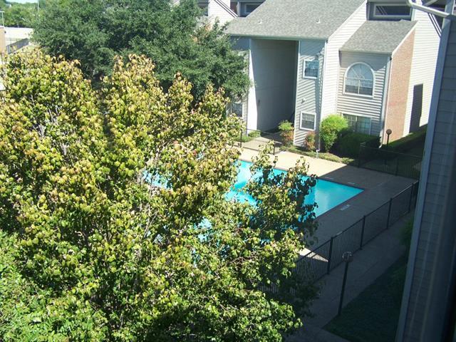 Rental Homes for Rent, ListingId:34081733, location: 9747 Whitehurst Drive Dallas 75243