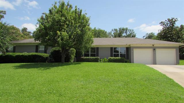 Rental Homes for Rent, ListingId:34011130, location: 6849 Woodstock Road Ft Worth 76116