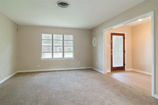 Rental Homes for Rent, ListingId:34075624, location: 6200 Ravenswood Drive Ft Worth 76112