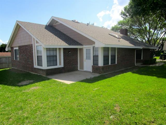 Rental Homes for Rent, ListingId:34125123, location: 4370 Ashley Lane Grand Prairie 75052