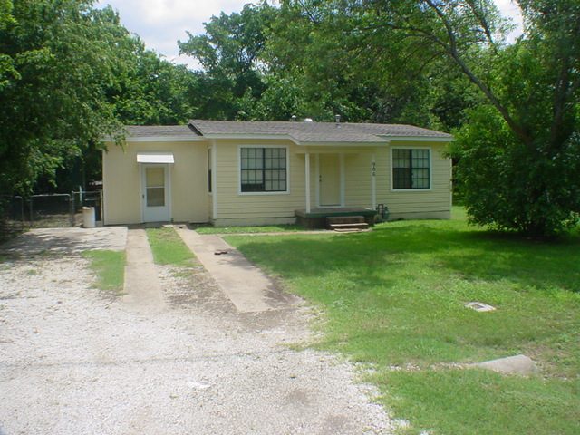 Rental Homes for Rent, ListingId:34125266, location: 906 Avenue C Duncanville 75137