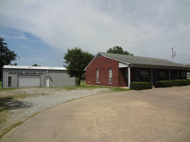 301 W Bells Blvd, Bells, TX 75414