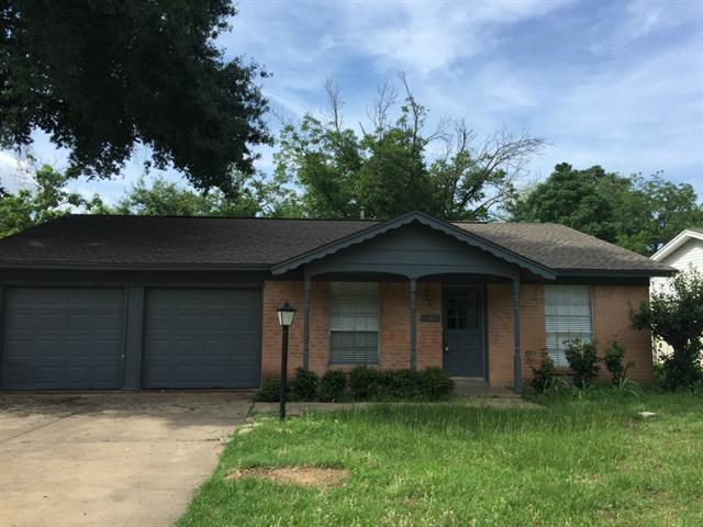 Rental Homes for Rent, ListingId:34141374, location: 2905 Lisa Lane Arlington 76013