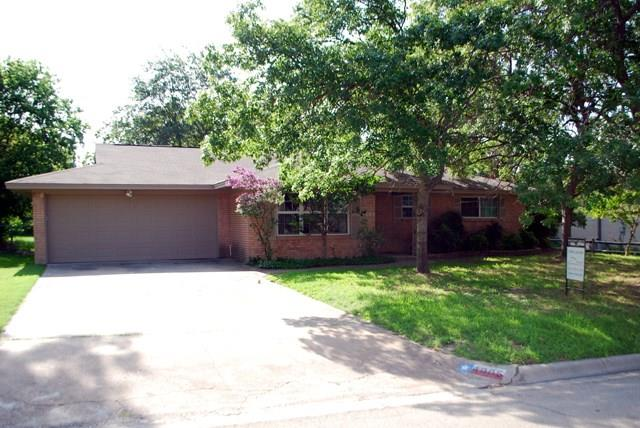 Rental Homes for Rent, ListingId:34140524, location: 4005 Westerly Road Benbrook 76116