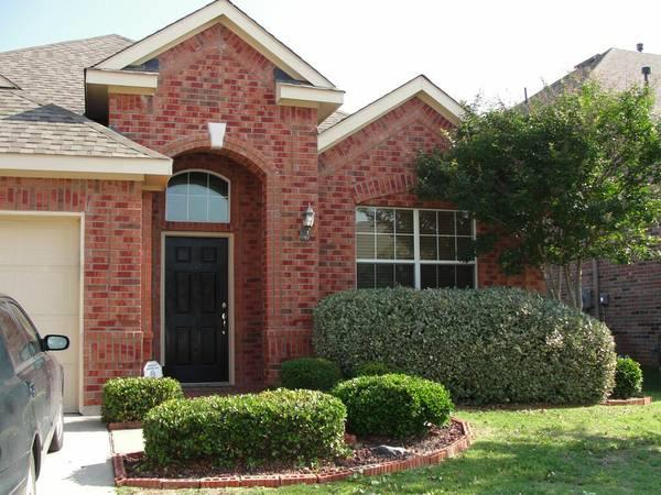 Rental Homes for Rent, ListingId:34141070, location: 4405 Emerald Leaf Drive Mansfield 76063