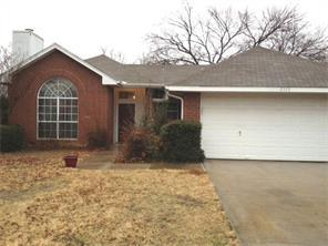 Rental Homes for Rent, ListingId:34162000, location: 2115 Lattimore Street Denton 76209