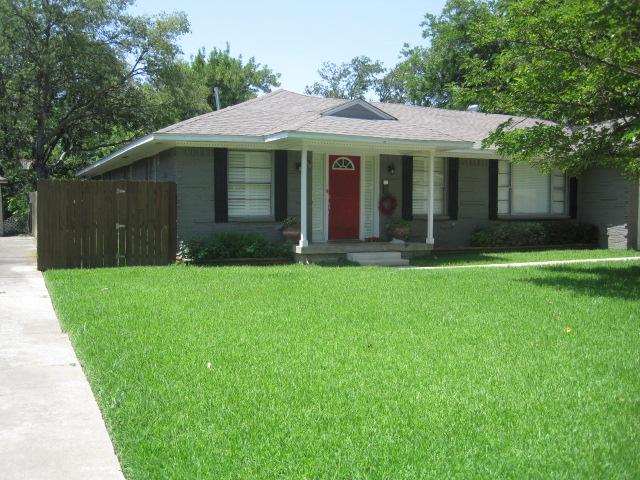 Rental Homes for Rent, ListingId:34161459, location: 3242 Lockmoor Lane Dallas 75220