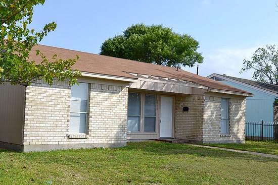 Rental Homes for Rent, ListingId:34183856, location: 10107 Oak Gate Lane Dallas 75217