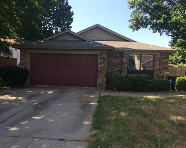 Rental Homes for Rent, ListingId:34208164, location: 7524 Down Hill Drive Ft Worth 76120