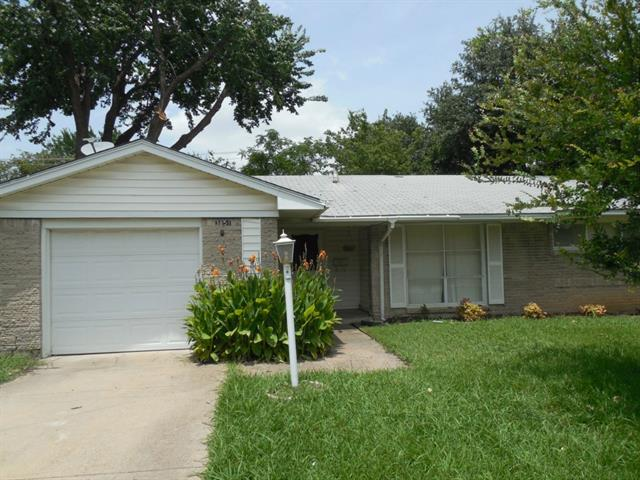 Rental Homes for Rent, ListingId:34234641, location: 3151 Longmeade Drive Farmers Branch 75234
