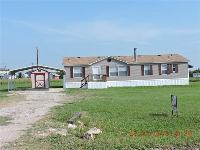 327 Lone Tree Ln, Decatur, TX 76234