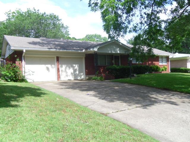 Rental Homes for Rent, ListingId:34419023, location: 821 N DAVIS Drive Arlington 76012