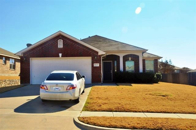 Rental Homes for Rent, ListingId:34355128, location: 10409 Nelson Drive Benbrook 76126