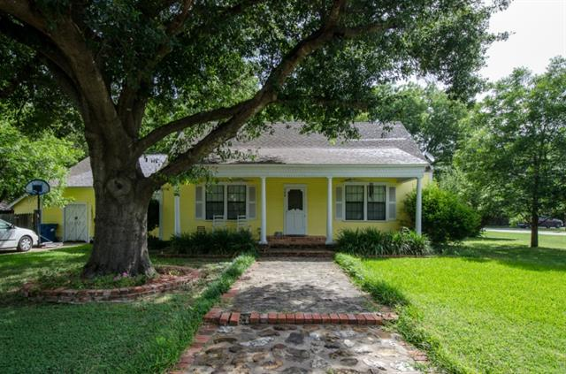 308 S Fordyce St, Blooming Grove, TX 76626