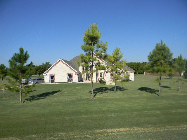 Rental Homes for Rent, ListingId:34355905, location: 6017 WOODLAKE Drive Arlington 76016