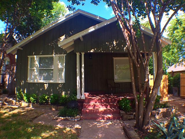 Rental Homes for Rent, ListingId:34410889, location: 2121 Carleton Avenue Ft Worth 76107