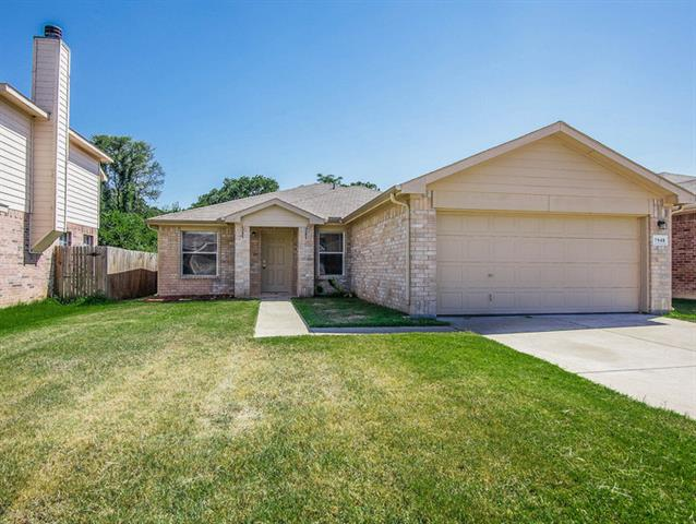 Rental Homes for Rent, ListingId:34418929, location: 7948 Meadow View Trail Ft Worth 76120