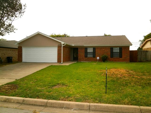 Rental Homes for Rent, ListingId:34465157, location: 5729 Springtide Drive Ft Worth 76135