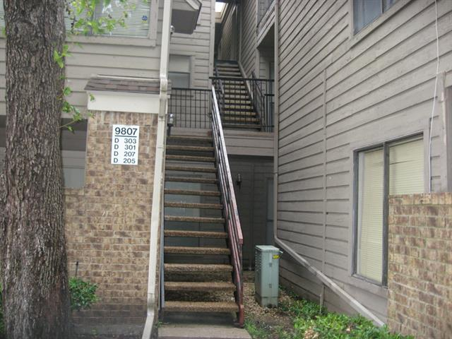 Rental Homes for Rent, ListingId:34465150, location: 9807 Walnut Street Dallas 75243
