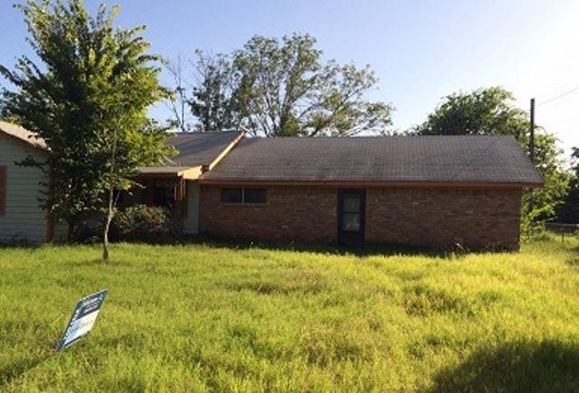 709 S Kerr St, Blooming Grove, TX 76626