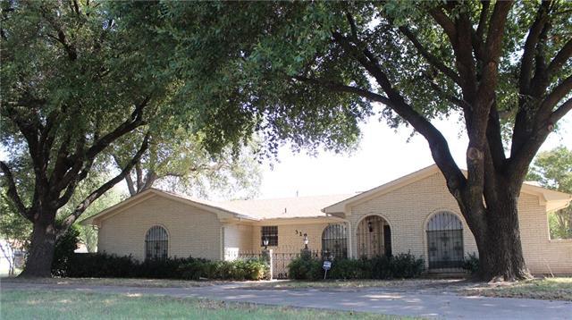 329 N Greenway Dr, Quinlan, TX 75474