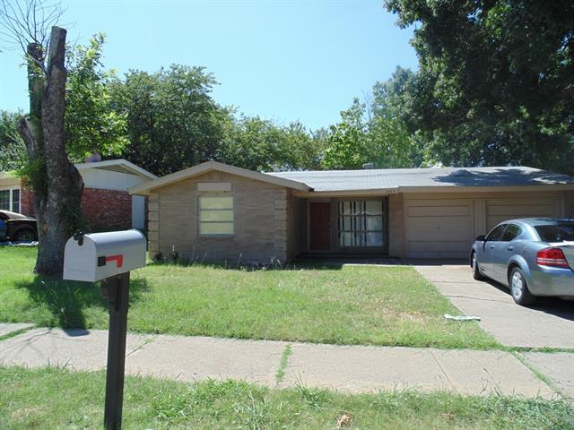 Rental Homes for Rent, ListingId:34505730, location: 2409 Brookshire Street Arlington 76010