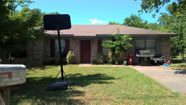 303 W Elm St, Howe, TX 75459