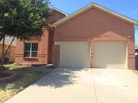 Rental Homes for Rent, ListingId:34578993, location: 1068 Westbrook Court Grand Prairie 75052