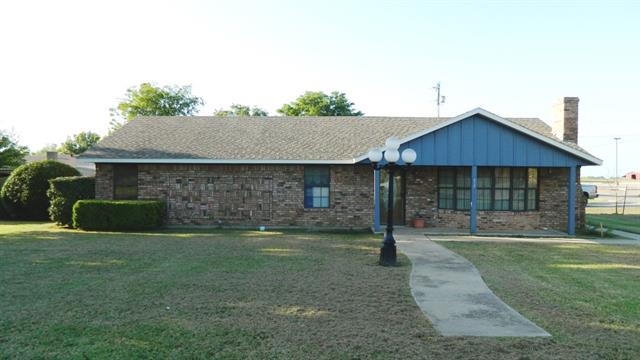 312 E Cottonwood St, Leonard, TX 75452
