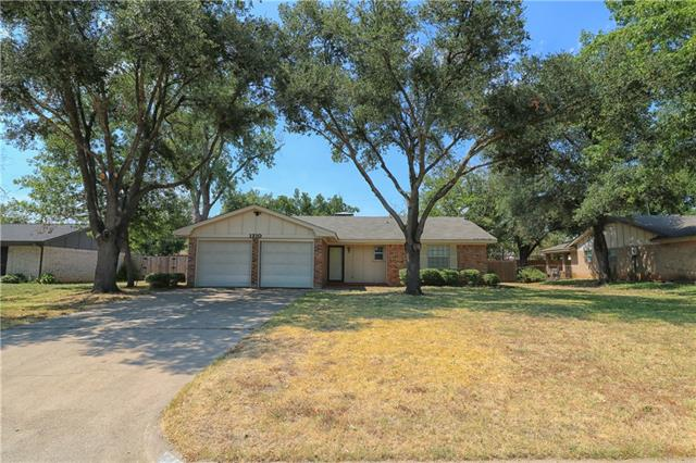Rental Homes for Rent, ListingId:34566792, location: 1210 Bradley Drive Cleburne 76033
