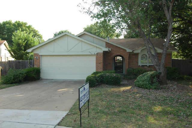 Rental Homes for Rent, ListingId:34573208, location: 906 Cherry Laurel Lane Arlington 76012