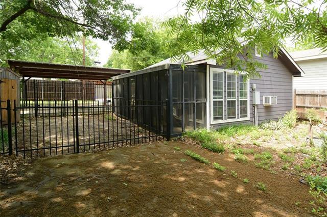 Rental Homes for Rent, ListingId:34582503, location: 811 Turner Avenue Dallas 75208