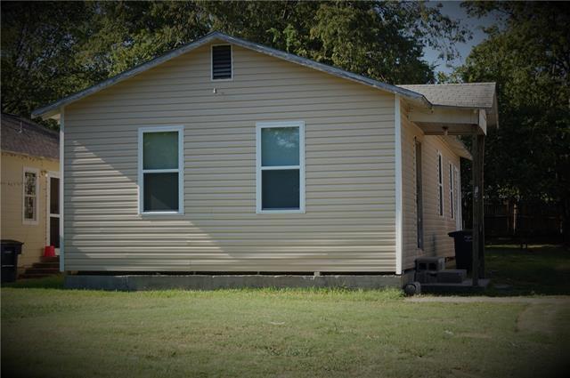 Rental Homes for Rent, ListingId:34608870, location: 517 W Spurgeon Street Ft Worth 76115