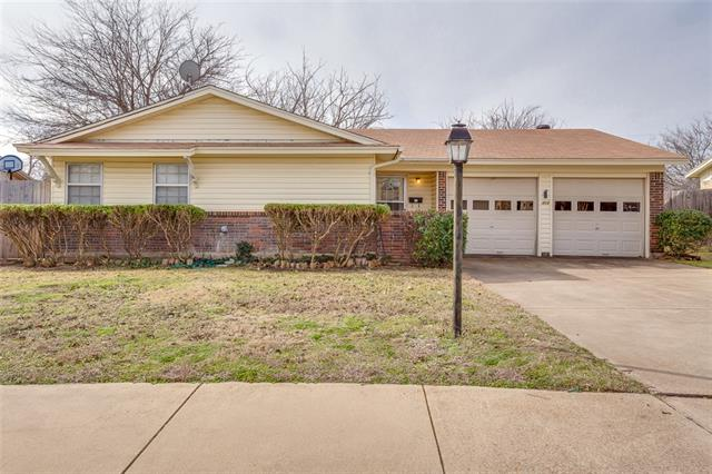 Rental Homes for Rent, ListingId:34918707, location: 408 Wallace Drive Crowley 76036