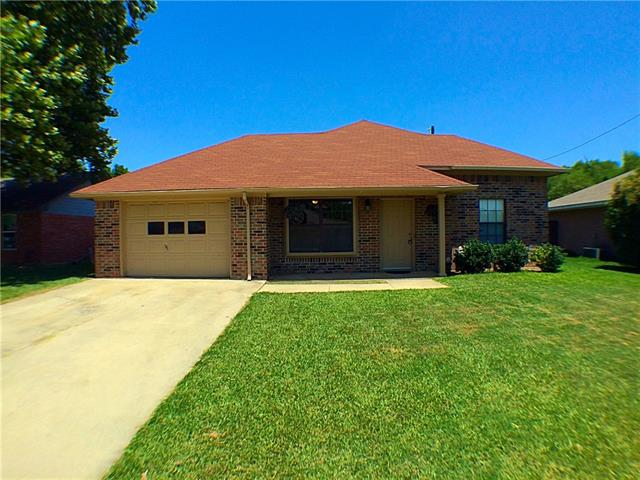 Rental Homes for Rent, ListingId:34635302, location: 1603 Fairfield Circle Sanger 76266