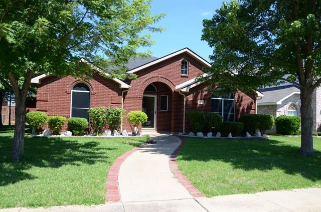 Rental Homes for Rent, ListingId:34653965, location: 2611 Crosscreek Lane Mesquite 75181