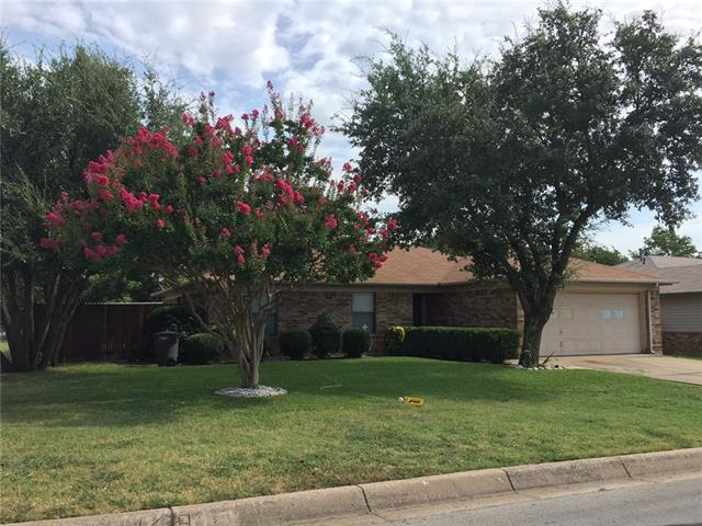 Rental Homes for Rent, ListingId:34716628, location: 5824 Fair Wind Street Ft Worth 76135