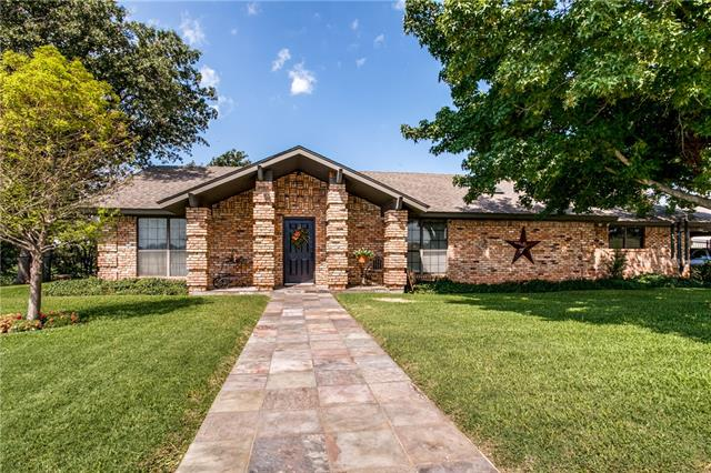 Photo of 922 County Road 1590  Alvord  TX