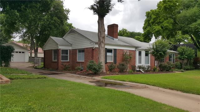 Rental Homes for Rent, ListingId:34804157, location: 613 Westwood Avenue Ft Worth 76107